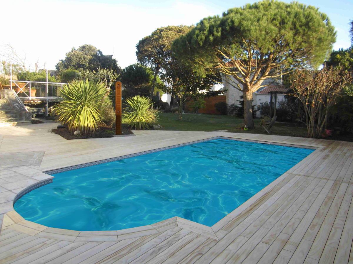 Terrasse bois Royan avant pose abri piscine