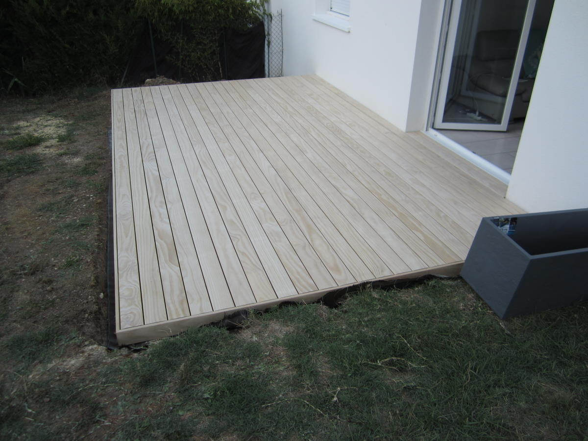 Terrasse bois sur plots à Royan